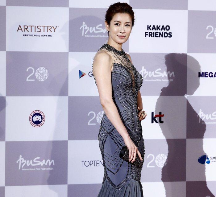 Korea's Clara Lee Ranks #2 Most Beautiful Woman In the World.