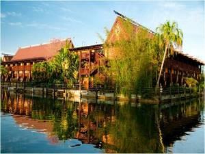 3. DisneyÔÇÖs Polynesian Resort