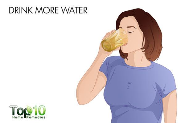 Drink more water to tighten loose skin after pregnancy