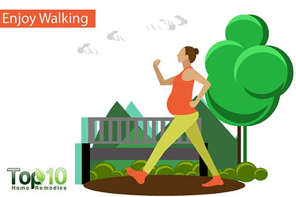 enjoy walking to reduce swelling on feet due to pregnancy