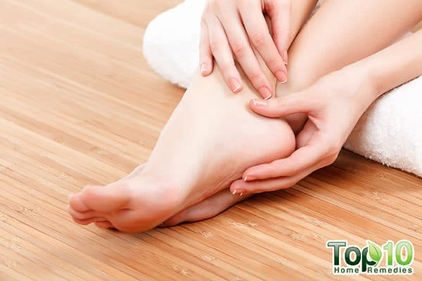 itchy feet home remedies