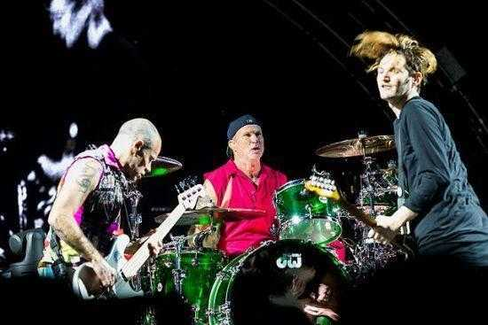 Red_Hot_Chili_Peppers_Top2000 2017