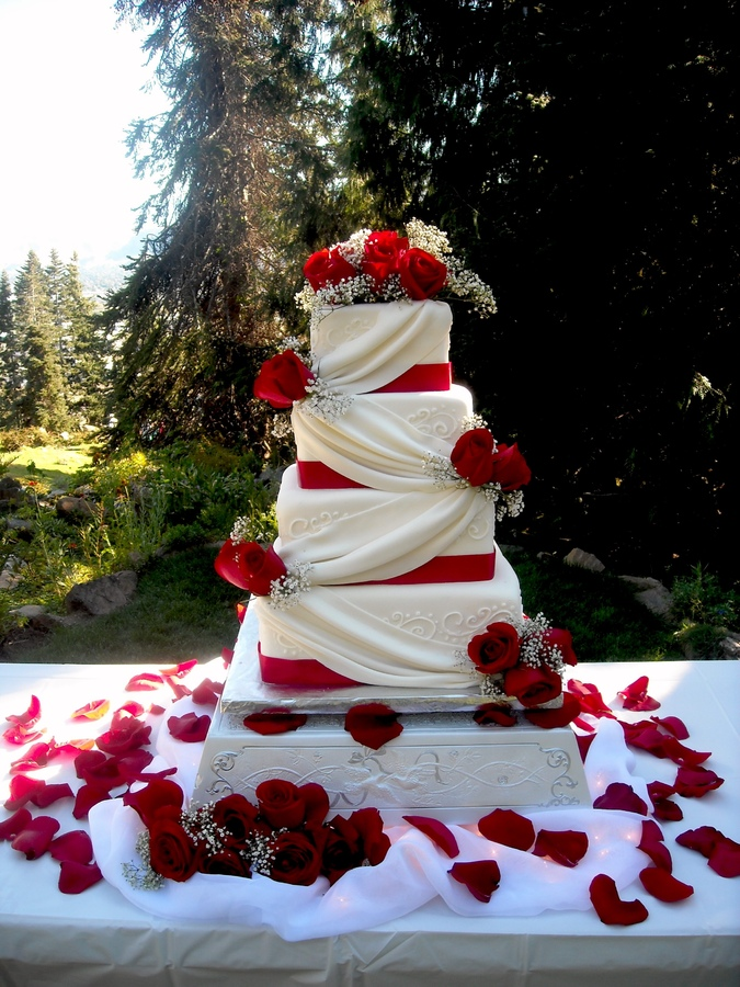 Square Wedding Cakes for Your Special Day