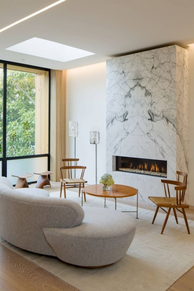 16 Modern Living Rooms With Marble Fireplaces