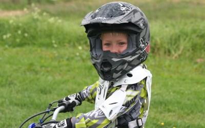 enfant et moto