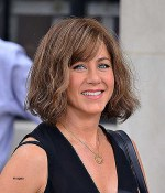 Jennifer Aniston Curly Hairstyles Awesome Jennifer Aniston New Bob Haircuts