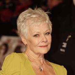 Short Haircuts For Older Women 19