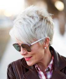 Short Haircuts for Older Women - Hairstyles Fashion and Clothing