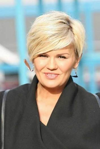 Short Hairstyles For Round Faces 2018 27