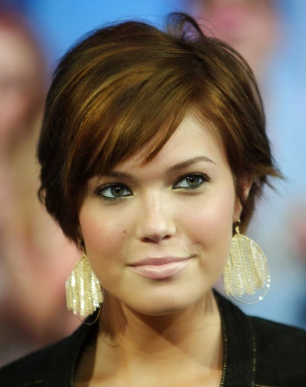Short Hairstyles For Round Faces 2018 37