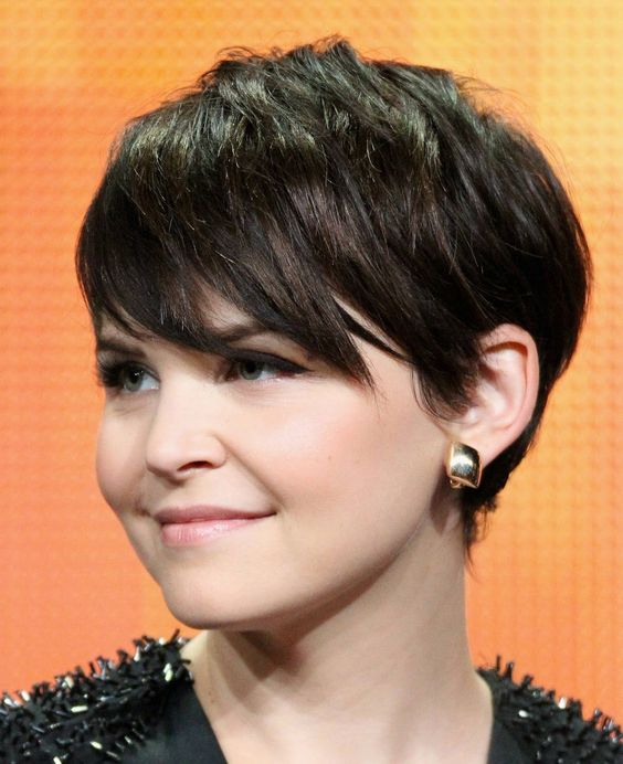 Short Hairstyles For Round Faces 2018 9