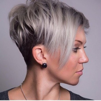 35 Short Hairstyles for Round Faces - Haircuts + Hairstyles 2018