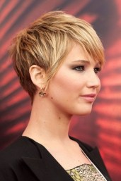 Short Hairstyles For Thick Hair 2018 32