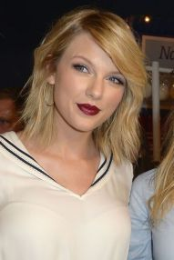 Taylor Swift Hairstyles 2018 20