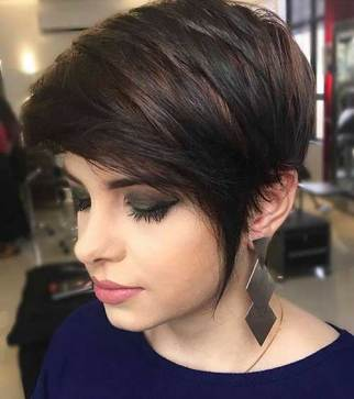 Short Haircuts For Round Face Shape 21