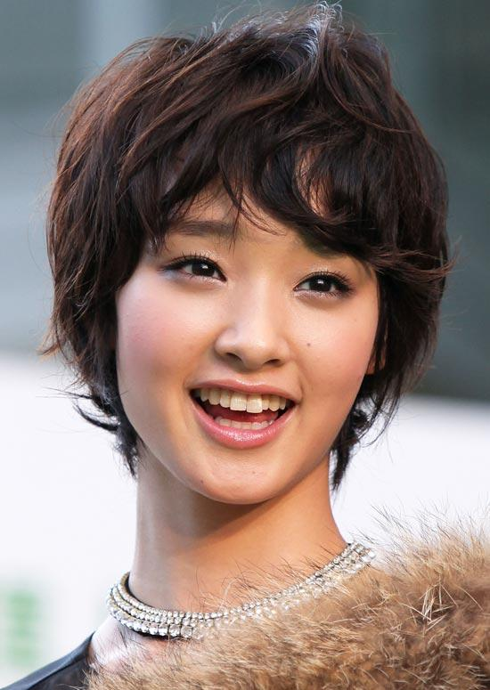 Short Haircuts For Round Face Shape 25
