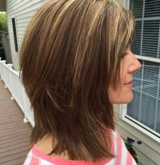 13 Medium Shaggy Haircut For Thick Hair