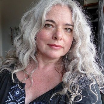 16 Long Grey Hairstyle For Women Over 50