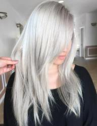 19 Silver Blonde Layered Straight Hairstyle