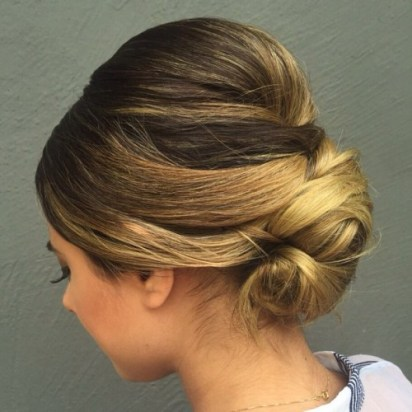 7 Sleek Chignon With A Bouffant