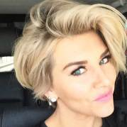 Short Haircut Women 5