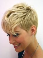 Short Haircut Women 8