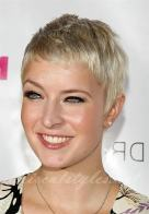 Very Short Female Hairstyles 7