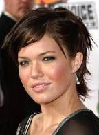 Best Short Hairstyles For Round Faces 14