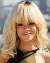 Rihanna Hairstyles Adorable Long Wavy Haircut With Bangs