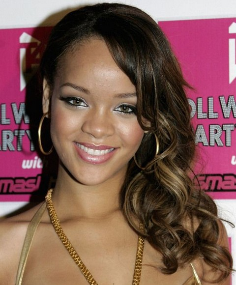 Rihanna Hairstyles Sweet Side Swept Medium Curls With High Lights