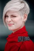 Short Haircuts For Girls 2