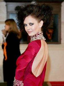 Eva Green Fluffy Hairstyle Min