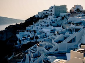 Oia in the shadow