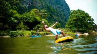 L'acrobate de Vang Vieng