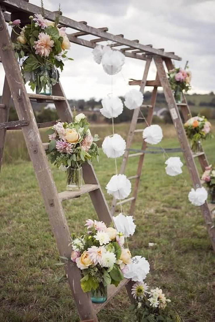 Top 10 Gorgeous Wedding Altar Decor Ideas