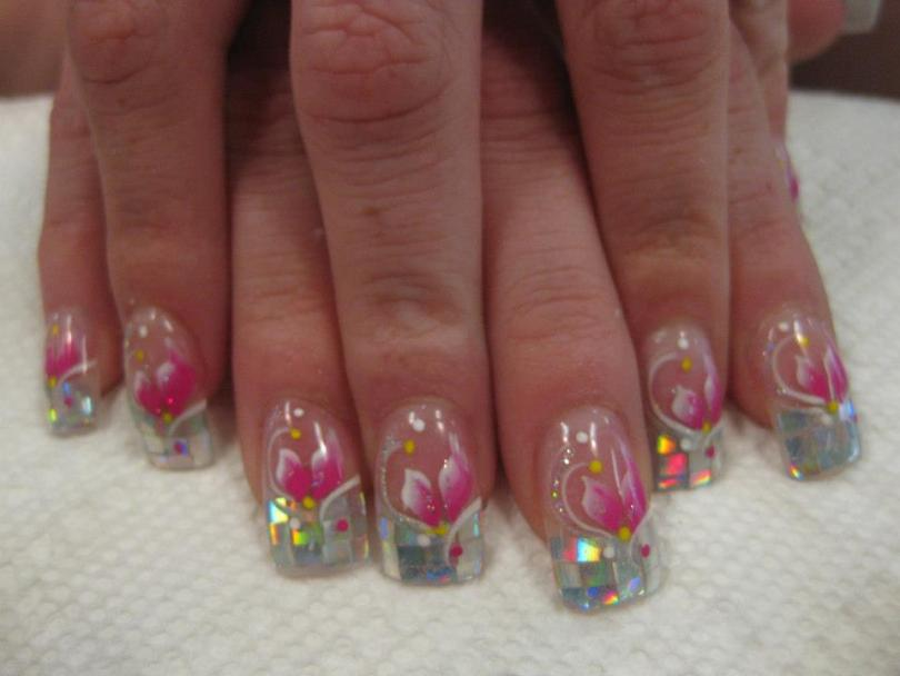 12 mirrored panels tip with bright pink/white lily, white/sparkly swirls, pink/white/yellow dots.