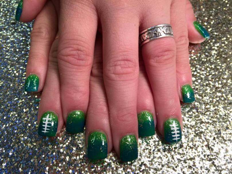 Deep Shamrock green tip topped by sparkly lighter Shamrock green w/optional white fishbone mark centered.