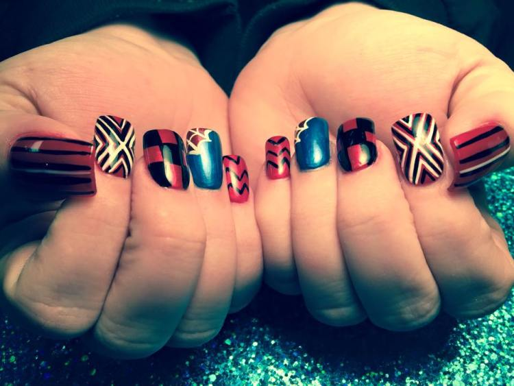 Choice of: White/black X-patterns, red nail OR Spiderman web, shiny blue nail OR red/black tartan pattern OR black M/W pattern, red nail OR black/white tiger stripes, red nail.