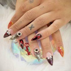 Fullset with custom nail art design