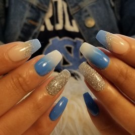 Blue and white dip powder ombre