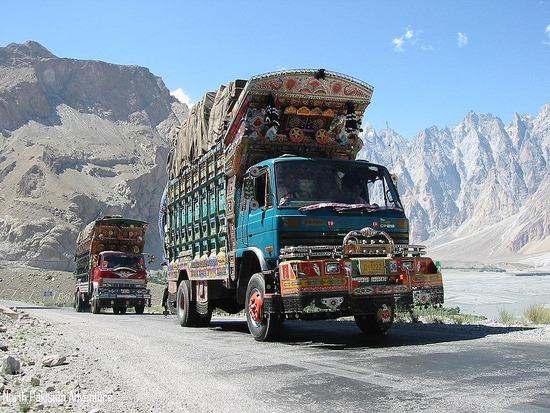 Camiones adornados en la Karakoram Highway