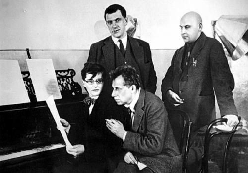 Четыре гения: Шостакович, Мейерхольд, Маяковский, Родченко.