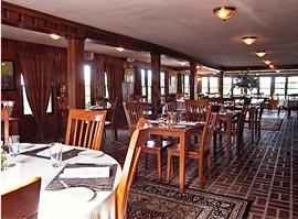 Dine in The Adirondacks at the Top of the World Golf Resort in Lake George