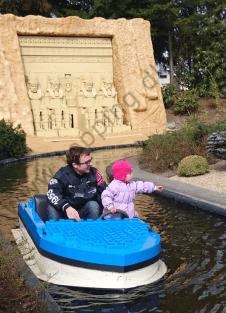 Onkel Nikolai tager en bådtur med Rose