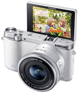Samsung NX3000 Wireless Smart 20.3MP Mirrorless Digital Camera with 16-50mm OIS Power Zoom Lens and Flash (White)