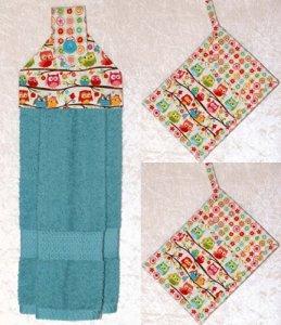 3 Piece Set - 1 Hanging Hand Towel - 2 Pocket Potholders - Cheerful Owl & Flower - Blue Plush Towel