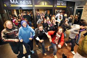 Black Friday 2016 and safe shopping tips