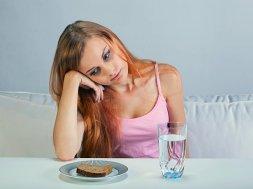 dt 150528 eating disorder girl 800x600