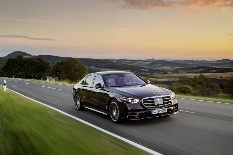 S-sarja määrittelee edustusautoilun ja luksuksen uudelleen