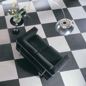 tegels-wit-zwart-dambord-legpatroon